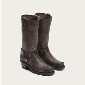 FRYE Harness 12R mid calf boot.